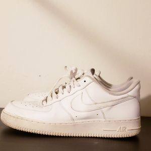 Nike Air Force 1 '07 Triple White Size 11.5